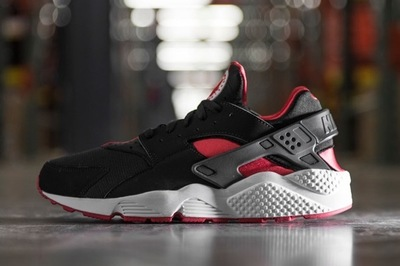 bred-huaraches-now-available-today-01.jpg