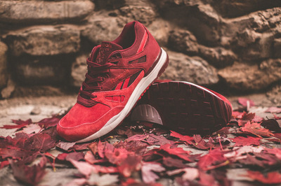livestock-reebok-ventilator-maple-leaf-2.jpg