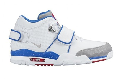 nike-air-cruz-ny-giants-white-blue-red-grey-681x454.jpg
