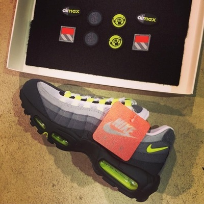 nike-air-max-95-patch-neon-og-02.jpg