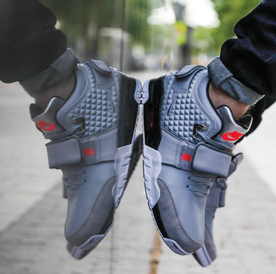 nike-air-trainer-cruz-grey2.png