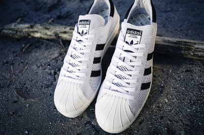 superstar-80s-primeknit-1200-800-06.jpg